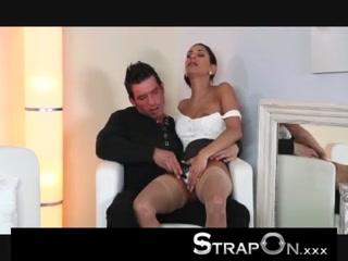 Сексуальная девушка с большими сиськами