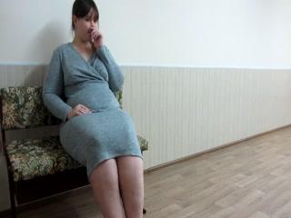 Смотреть порно видео с медсестрой и молодой девушкой на кровати дома